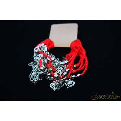 Браслет красная нить плетеный с жемчужинками и амулетом на застежке